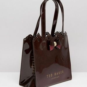 f0bc3ce3e1 Ted Baker Bags - 🍒NWT🍒 TED BAKER IDACON SCALLOPED ICON BAG